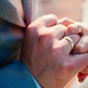 wedding-rings-RJ5W2UB (1)
